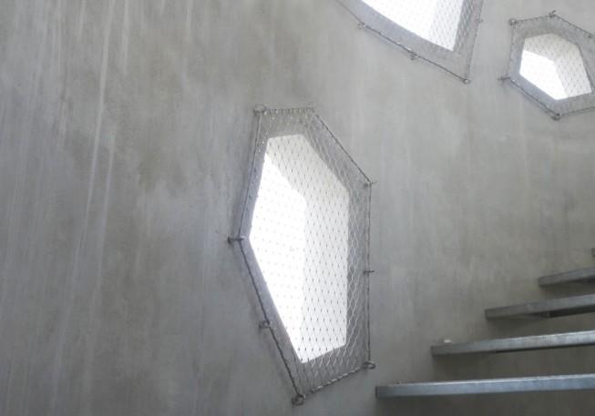 vib_silos_escalier.H.1000